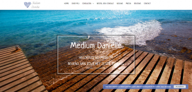 Medium Danielle